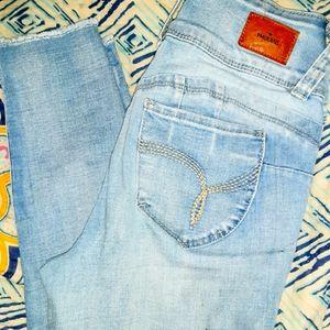 YMI Skinny Jean's Mid Rise Size 5/27